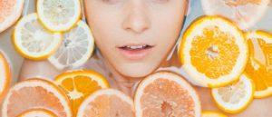 50代は「ビタミンC誘導体」が配合された基礎化粧品で、エイジングケアを