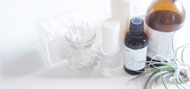敏感肌の方は敏感肌向け化粧品を使う
