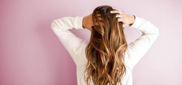 くせ毛の原因②年を重ねるごとにくせ毛が気になりだした方