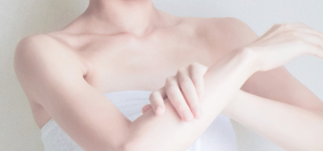 乾燥肌に効果的なクリームの付け方②