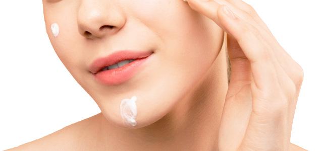 乾燥肌に効果的なクリームの付け方①