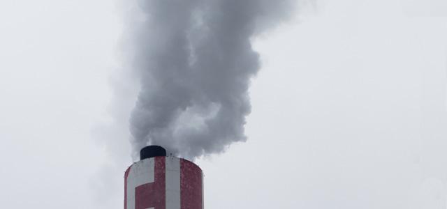 肌荒れの原因のひとつは大気汚染や花粉